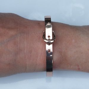 Jewelry - Vintage Copper Bracelet with Clasp Closure Design
